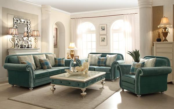 ▼美式和欧式乡村风格的布艺沙发常采用碎花或者